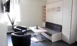 Le salon avec TV Haute Définition et accès internet par WIFI et par éthernet